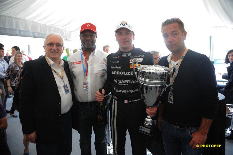 Mike Parisy remporte le Grand Prix de Pau électrique 2012 TOTAL Pau