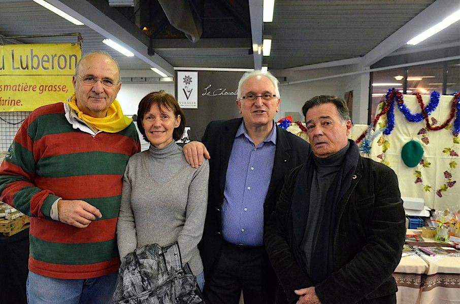 Le March U00e9 De Noel Des Producteurs Membres Du R U00e9seau B U00e9arn
